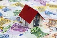 Haus auf Geldscheinen