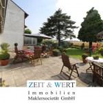 Viel Platz für die ganze Familie! Einseitig angebautes Einfamilienhaus mit traumhaftem Wintergarten und Kamin!